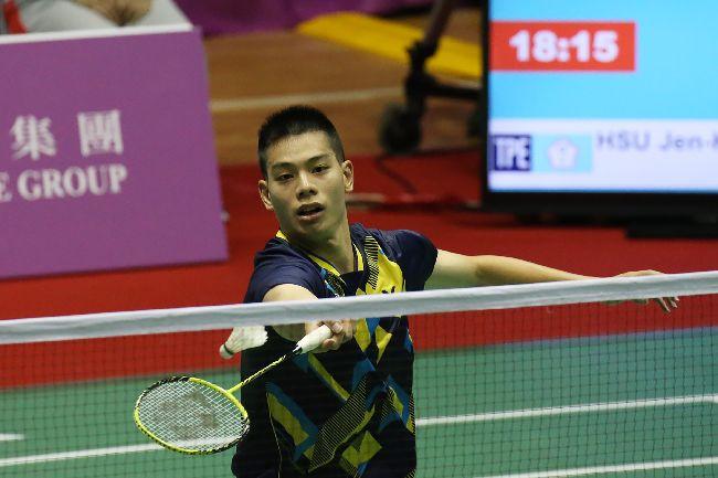 世大運羽球男單  許仁豪戰泰國台北世大運羽球項目25日在台北體育館舉行,中華隊選手許仁豪(圖)在混合團體賽中,對決泰國選手,以21 比17、21比16直落二取得勝利。中央社記者吳家昇攝  106年8月25日