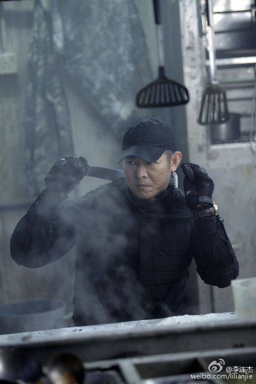 李連杰、浴血任務2 圖翻攝自微博 http://weibo.com/lilianjie