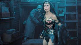 被批評身材不夠辣,不夠格飾演電影角色,神力女超人蓋兒加朵霸氣回應。