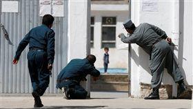 阿富汗,喀布爾,自殺炸彈攻擊,清真寺(圖/翻攝自推特)