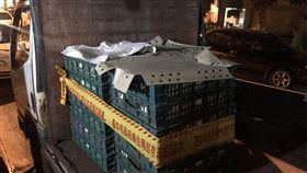 中市封存問題雞蛋嘉義縣博勝畜牧場及彰化縣彰竹畜牧場雞蛋遭驗出芬普尼超標,台中市衛生局經稽查轄區下游業者,除要求進行產品下架,並封存退回864公斤問題雞蛋。(台中市衛生局提供)中央社記者郝雪卿傳真  106年8月26日