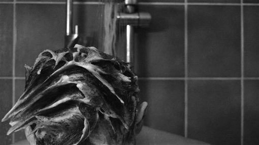 洗澡 浴室https://www.flickr.com/photos/silkeremmery/15952923171/in/photolist-qiGUgv-5BJ12t-4DfXuB-5hKCDb-7DderH-eL2gxp-4QZFiZ-5UE4VL-4xPDJp-eL2fVD-abaJno-86upuG-eLdF6q-eLdESm-2hUtng-67hWLg-dJyfUP-pL9bT-6