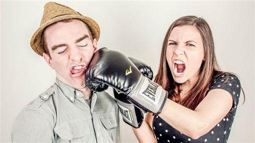 吵架,爭執,情侶,打架,意見不合,男女(圖/Pixabay)