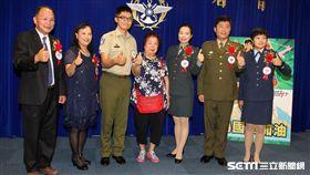 總統蔡英文(31)日上午表揚國軍楷模及國軍模範團體。(記者邱榮吉/攝影)