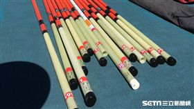 ▲世大運提供外國選手撐竿跳高竿。(圖/田徑協會提供)