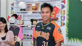 ▲蘇智傑在8月擔任體驗大使。(圖/原住民棒球協會提供)