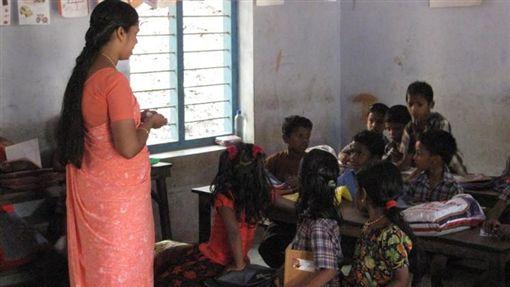 印度,校園,學生,孩童(圖/翻攝自推特)