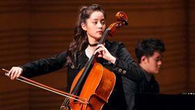 歐陽娜娜在重慶完成第一百場音樂會。(翻攝自歐陽娜娜臉書)