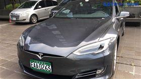特斯拉(Tesla)將要組成計程車隊,以Model S為主力。(記者郭奕均攝影)