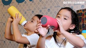 喝水習慣也瘋物聯網經濟?父母超擔心兒童這事…(圖/Gululu水精靈)