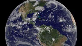 威力強大的颶風艾瑪(Irma)將對加勒比海東部許多地區構成威脅。(圖/美聯社/達志影像)