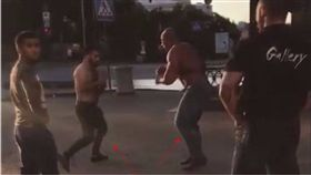 戰鬥民族,俄羅斯,舉重,綜合格鬥,MMA,冠軍.比較,強,街頭.互毆,鬥毆,打架,格鬥 圖/翻攝自YouTube