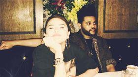小天后,賽琳娜,Selena Gomez,席琳娜,威肯,The Weeknd,放閃 (圖/翻攝自賽琳娜IG)