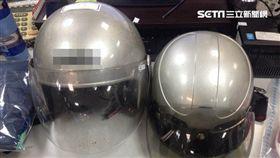 警方起出2人犯案用的安全帽。(圖/翻攝畫面)-安全帽-