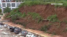 連日大雨!擋土牆瞬間崩塌壓爛整排車 SOT