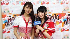 AKB48的阿部瑪利亞(左)及唯一台籍女團員馬嘉伶接受三立新聞網專訪。(圖/三立)