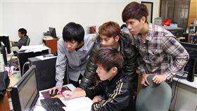台北科技大學提供 大學生 程式語言 程式設計 用電腦