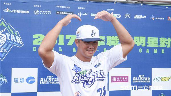 中華職棒紅白明星對抗賽,白隊高國輝 圖/記者林敬旻攝
