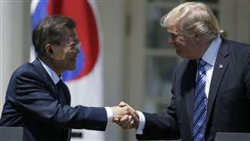 南韓總統文在寅上任後首次出訪美國、美國總統川普、美國和南韓(圖/路透社/達志影像)