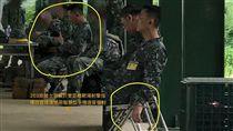16:9 陸軍士官長遭爆抽菸、滑手機 網友心驚:你聽過洪X丘嗎? 圖/翻攝自臉書靠北長官2.0 https://www.facebook.com/permalink.php?story_fbid=1498063630284364&id=1356367907787271