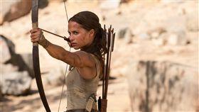 全新的《古墓奇兵》由典籍奧斯卡影后艾莉西亞薇坎德飾演。(圖/華納兄弟提供)