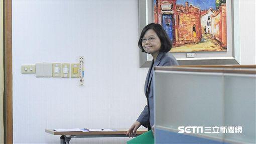 總統蔡英文出席民進黨中常會 圖/記者林敬旻攝