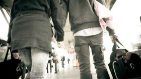 牽手、外遇、偷拍、情侶、交往、戀愛/示意圖/flickr/chia ying Yang/https://flic.kr/p/9tHYjQ