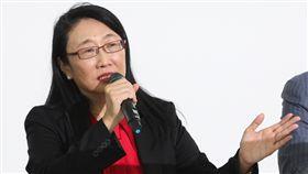 王雪紅:攜手Google讓人才更受尊重(1)宏達電21日宣布出售參與打造Pixel手機的成員及授權專利給Google,董事長暨執行長王雪紅表示,與Google 更深入的策略合作,能讓人才更受尊重,也能為台灣帶來更多創新。中央社記者張皓安攝 106年9月21日
