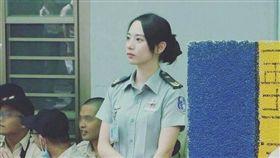 成功嶺國軍女士官太正...氣質清新好甜 網友驚呼:想簽下去! (圖/翻攝PTT)