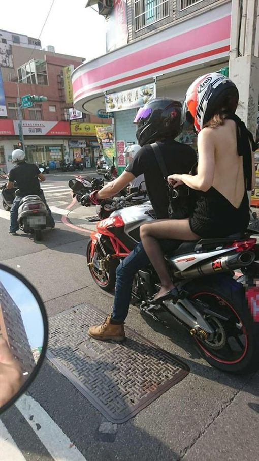 露背,絲襪,美背,重機,裸背,正妹/台灣新聞記者聯盟資訊平台 臉書 ID-1073234