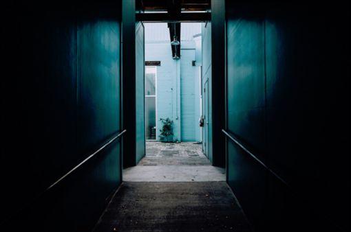 房間,暗巷 圖/翻攝自Pixabay