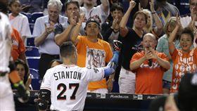Stanton挑戰60轟失利,球迷仍給予掌聲。(圖/美聯社/達志影像)