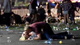 美國,賭城,拉斯維加斯,槍擊,Dan Bilzerian,爆頭(圖/翻攝自臉書,照片由David Becker攝影)https://www.facebook.com/search/top/?q=david%20becker