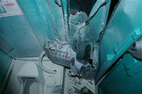 流動廁所遭縱火損毀。(圖/翻攝畫面)