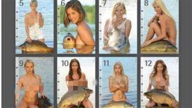 「Carponizer」大膽玩創意,找了12位裸女和鯉魚拍攝月曆(圖/翻攝自《ProSport》)