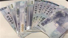 錢,薪水,上班族,示意圖,鈔票
