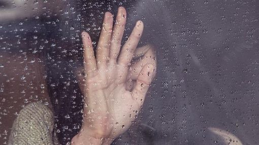 分手、傷心、哭、難過/pixabay