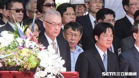 國慶 唱國歌 行政院長賴清德、台北市長柯文哲、國民黨主席吳敦義 圖/林敬旻攝影