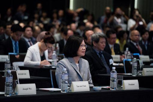 蔡英文總統出席「玉山論壇:亞洲進步與創新對話」開幕式。(總統府提供)