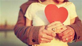 談戀愛、情侶、交往、情人、戀人/達志影像/美聯社
