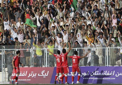 ▲巴基斯坦球員在與阿富汗比賽中進球慶祝。(圖/美聯社/達志影像)