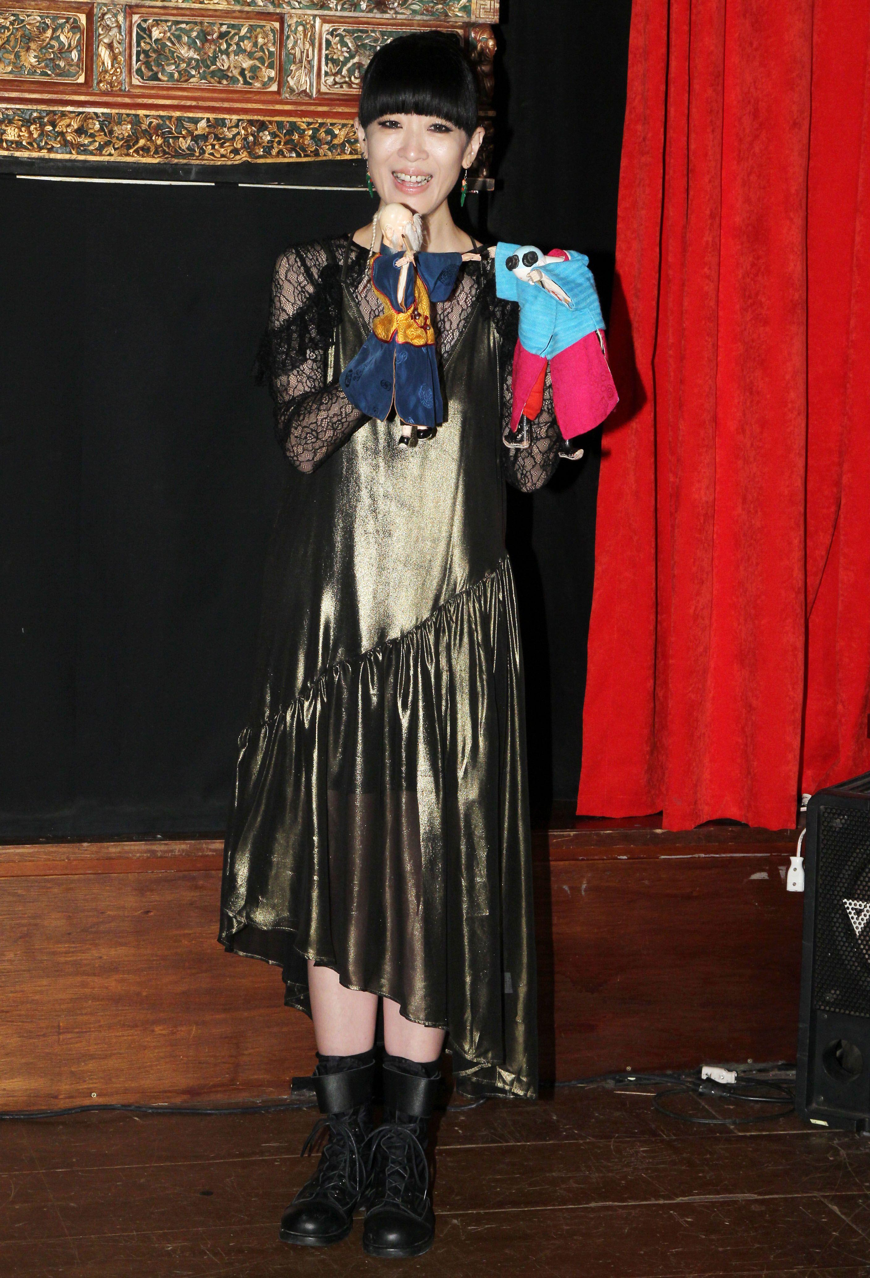 陳珊妮霸氣回歸新輯神級製作,布袋戲操偶師處女秀 戲說傀儡人生。(記者邱榮吉/攝影)
