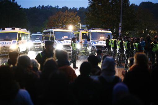 國際,瑞典,阿富汗,遣返,人權團體,抗議,難民
