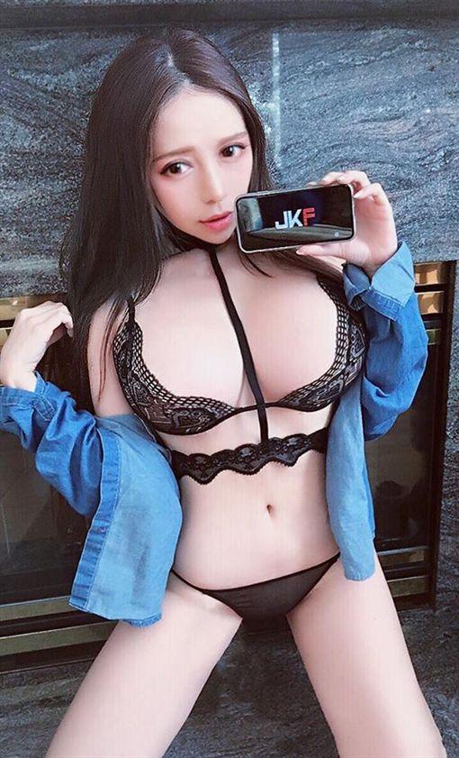 正妹,張語昕(臉書)