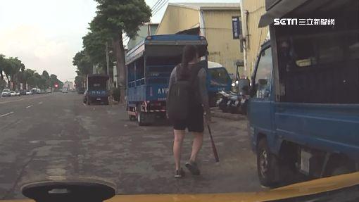 嚇!女客買汽油鋁棒 小黃運匠衝警局報案