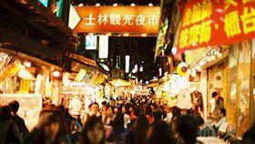 士林夜市,圖/攝影者Atsuhiko Takag, Flickr CC License https://www.flickr.com/photos/yumem/5189623932/in/photolist-8UAboG-nwRnhJ-84wHKz-6gRsSi-ozojFS-51dsH-35eyBB-4Ew2m8-b4Ax2D-6D11Wx-ozqa3c-7MQFeX-omGbfs-U2W2A1