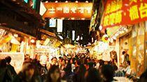士林夜市,圖/攝影者Atsuhiko Takag, Flickr CC License https://flic.kr/p/8UAboG