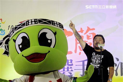 ▲106全運會主題曲創作者潘芳烈(右)。(圖/記者蔡宜瑾攝影)