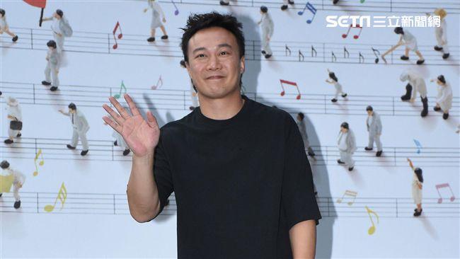 金曲歌王陳奕迅旋風來台舉辦專輯簽名會與台灣歌迷相見