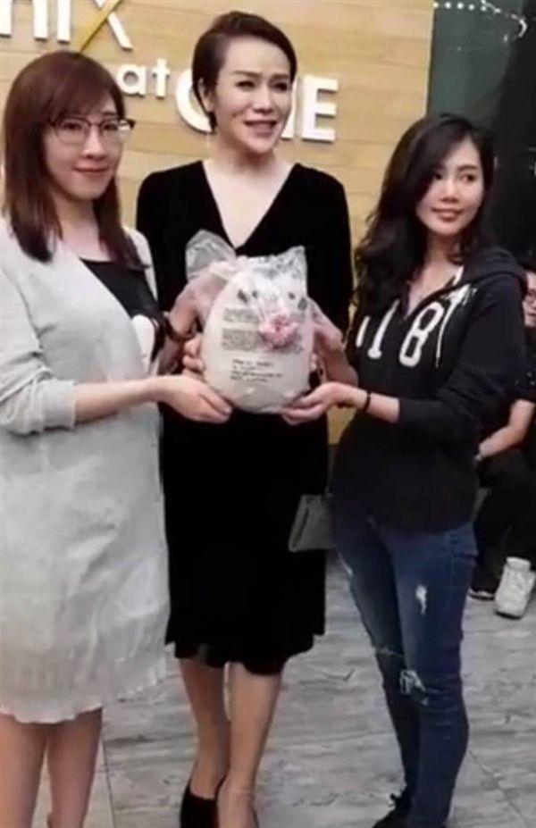 主播黃若薇道歉/Jax Phoenix臉書
